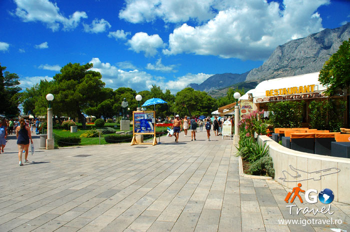 makarska beach seaside restaurant biokovo