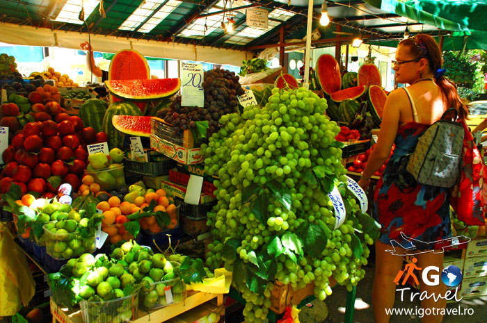 fruit market omis croatia